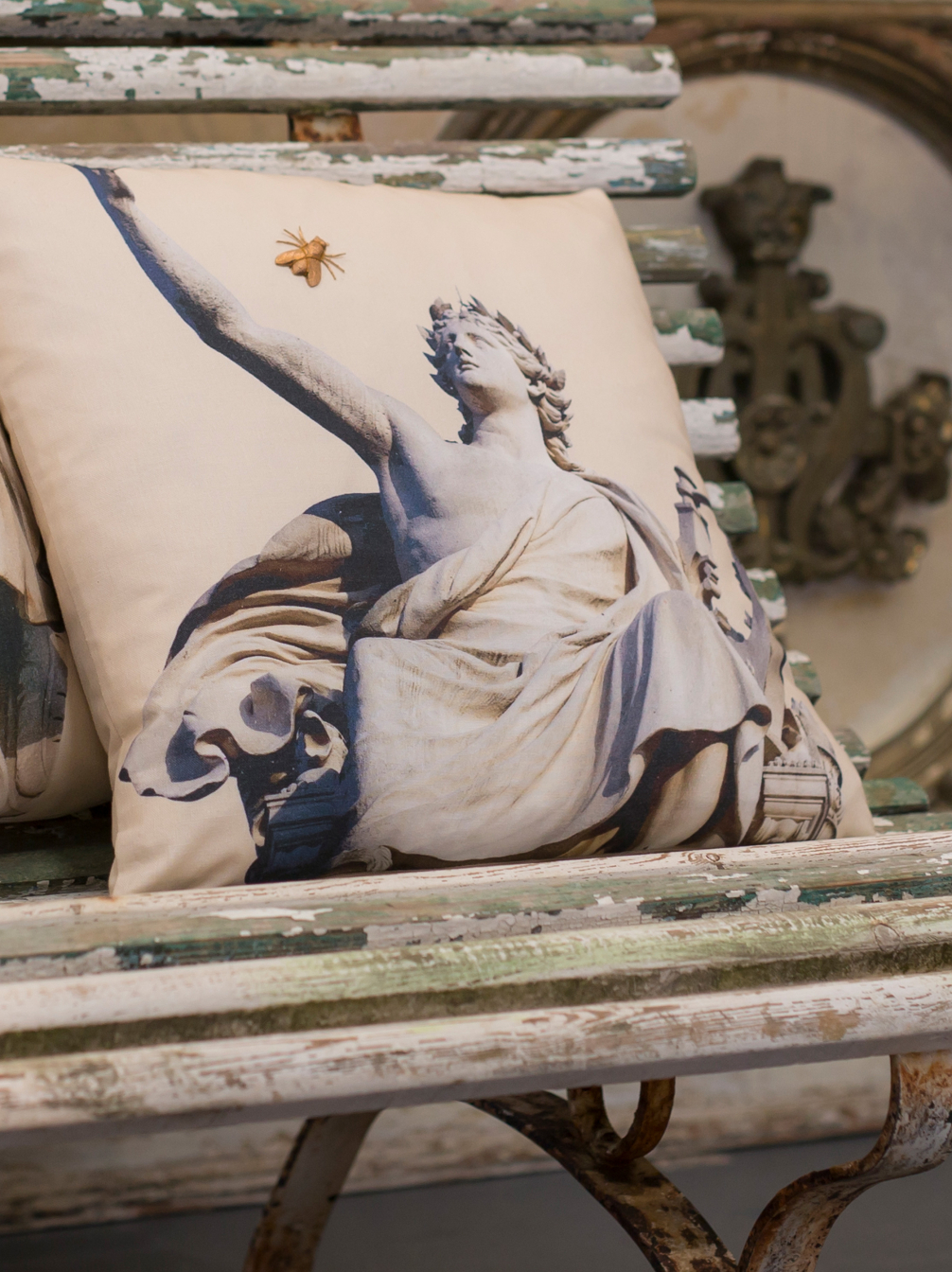 Apollo Cushion with Fly